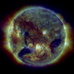 Aurinko SDO-satelliitin kuvaamana